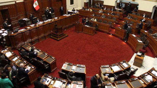 Comisión de Constitución aprobó dictamen sobre paridad y alternancia sin eliminar voto preferencial.