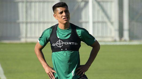 Paolo Hurtado entrenando con su equipo el Konyaspor