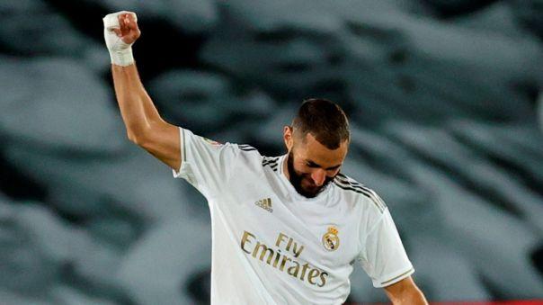 Karim Benzema celebrando su segundo gol contra el Valencia