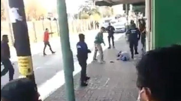 Tras dispararle, el supuesto ladrón quedó tendido en el suelo. Una vez que este fue llevado al hospital, falleció.