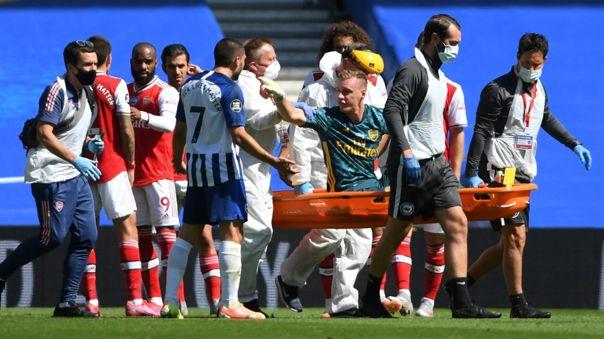 Bernd Leno lesionado en el partido entre Arsenal y Brighton
