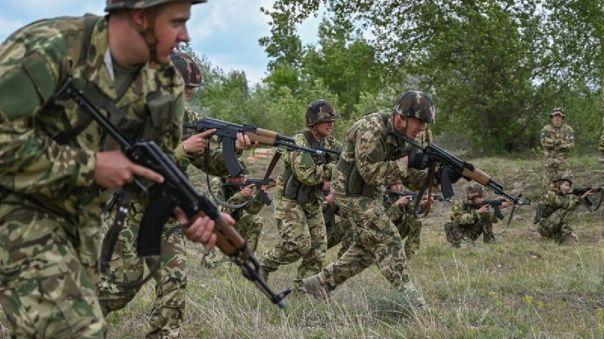 Solo la semana pasada 2 500 húngaros se presentaron como candidatos para entrar al Ejército.