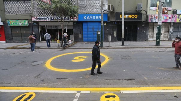 El presidente de la Asociación de Emprendedores del Perú (ASEP) estimó que la apertura de tiendas de puerta a calle contribuiría a reducir las aglomeraciones y el comercio ambulatorio.