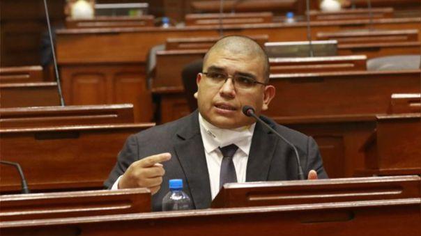 El ministro Fernando Castañeda utilizó su Twitter para descartar que condenados por delitos graves no saldrán de prisión.
