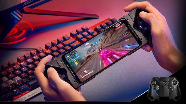 El ROG Phone 2 destacó también por sus accesorios gamer.