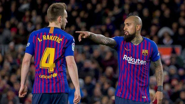 Iván Rakitic y Arturo Vidal finalizan contrato con Barcelona en 2021