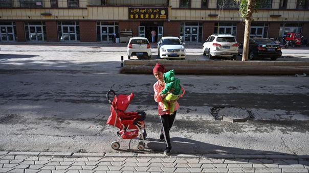 Una mujer de la comunidad uigur en la región china de Xinjiang.