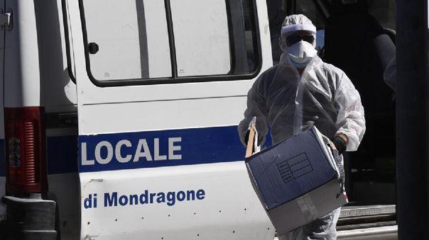 Siguen descendiendo los enfermos ingresados en cuidados intensivos, y son 96 ahora en todo el país.