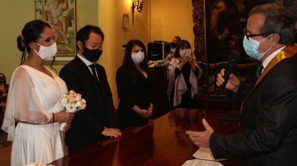 El menor de los Fujimori se casó esta tarde en la Municipalidad de Miraflores.