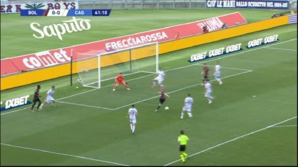 Tenía todo el arco y la mandó fuera: el insólito 'blooper' de Rodrigo Palacio en la Serie A
