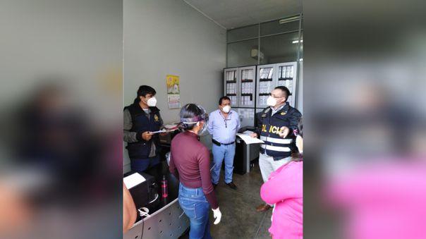 Eduardo Jacinto Teque fue intervenido en su propia oficina
