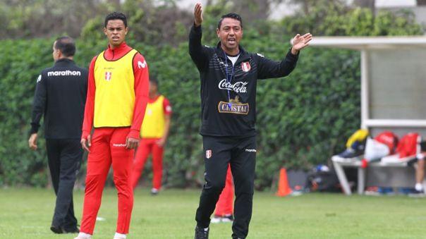 Nolberto Solano dirigió a Perú en el Preolímpico 2020