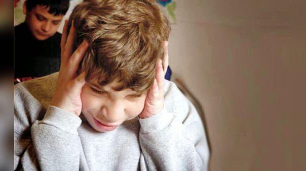 La especialista recomienda tener espacios donde los menores puedan compartir sus emociones para prevenir el estrés.