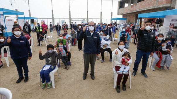 El Minsa informa que hasta la fecha 295 599 peruanos han dado positivo a la COVID-19, según sus muestras.