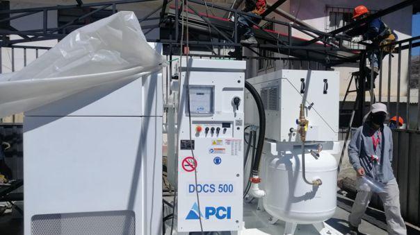 La planta de oxígeno, fabricada en los Estados Unidos, es capaz de producir 720 metros cúbicos por día.