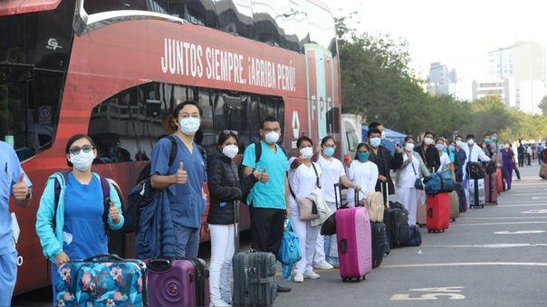 La delegación conformada por diez médicos y diez enfermeras.