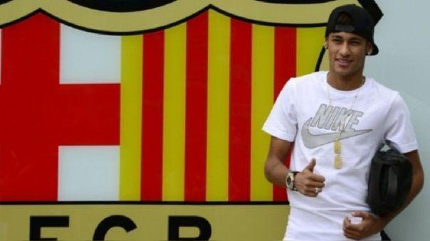 Neymar el día de su presentación en Barcelona en 2013