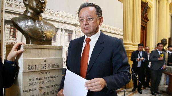 Édgar Alarcón fue contralor (2016-17) y actualmente es congresista de Unión por el Perú por la región Arequipa.