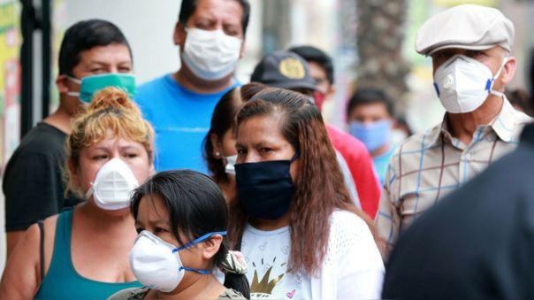 """""""Tenemos que pensar que todos tenemos Covid, incluso yo, porque así protegemos a nuestra familia"""", explicó la inmunóloga Gonzáles."""