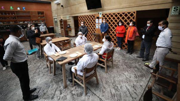 La plataforma cumple la función de directorio gastronómico, donde todos los interesados podrán consultar la carta de delivery de los restaurantes y bares inscritos.