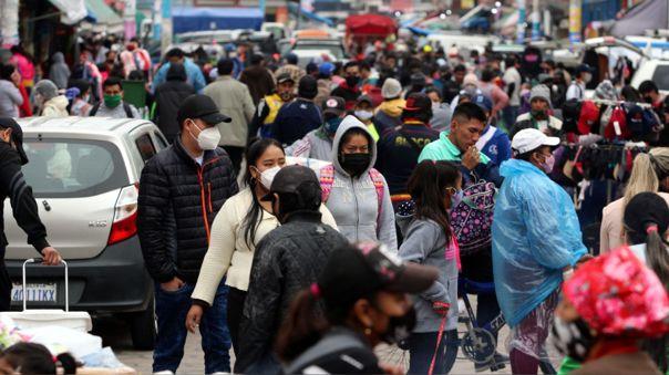 Coronavirus en Bolivia: aglomeración de personas en Santa Cruz
