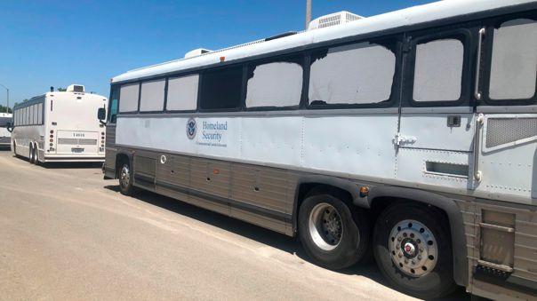 Autobús del Departamento de Seguridad Nacional de EE.UU