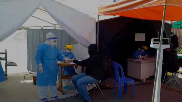 Centros de salud ayudarán a descongestionar hospitales colapsados por pacientes con la COVID-19.