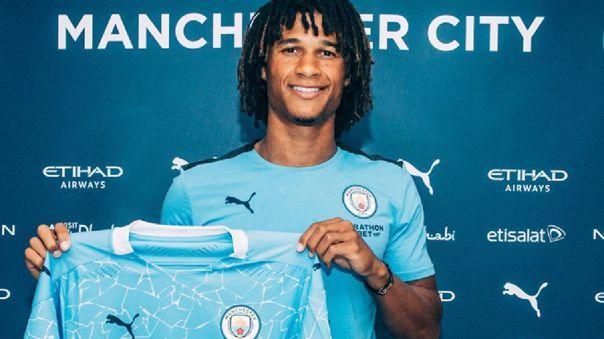 Nathan Aké fichó por cinco temporadas con Manchester City