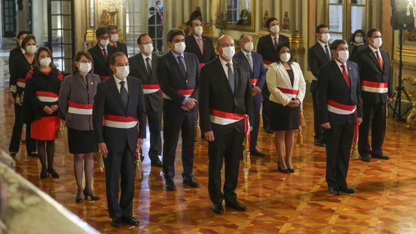 Presidente Vizcarra tomó juramento al nuevo Gabinete.