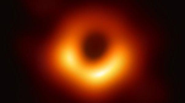 Primera imagen real en la historia de un agujero negro supermasi