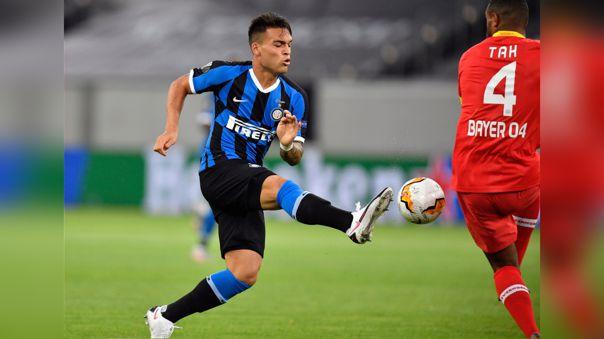 No solo anota: la brillante asistencia de taco que dio Lautaro Martínez para gol del Inter