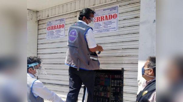 Farmacias y boticas vendían medicina vencida en pleno centro de Chiclayo.