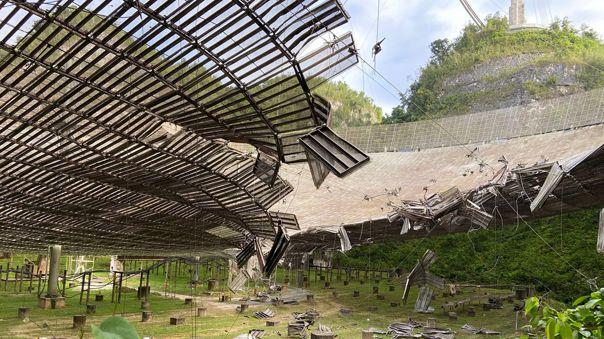 Así quedó el radiotelescopio en Arecibo.