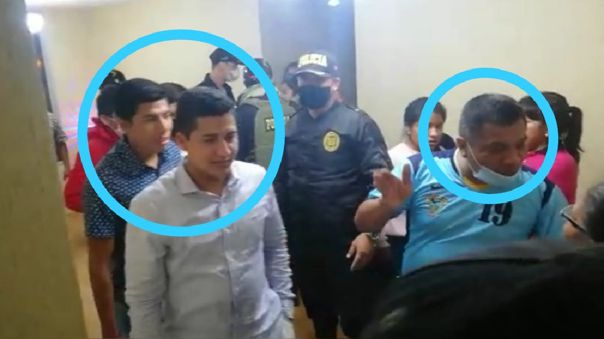 Policías detenidos por participar en reunión social.