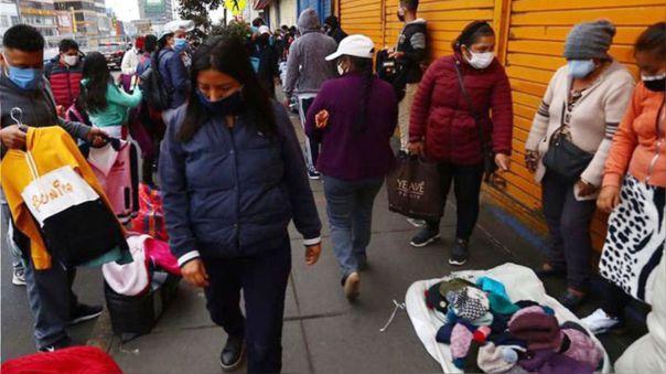 Comercio informal en calles de Lima