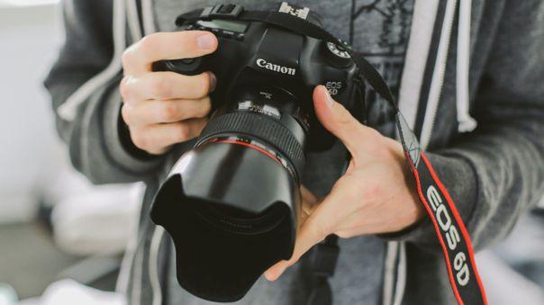 Canon lidera el mercado de cámaras digitales.