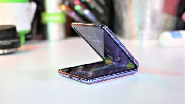 Samsung podría estar desarrollando un equipo bajo la nomenclatura SM-F415 y dirigido a la gama media