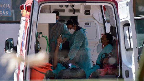 Las autoridades de Hong Kong confirmaron el lunes el primer caso documentado de reinfección de un hombre de 33 años.
