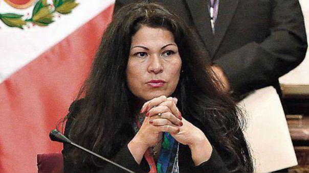Yesenia Ponce es investigada por cohecho activo y falsificación de documentos.