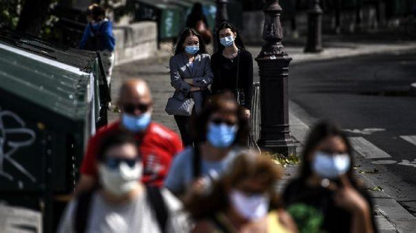 España, inmersa en un nuevo embate de la epidemia, es uno de los países más afectados de Europa, con más de 400 000 casos diagnosticados hasta la fecha.
