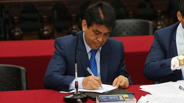 Subcomisión de Acusaciones Constitucionales investiga denuncia contra Gálvez.