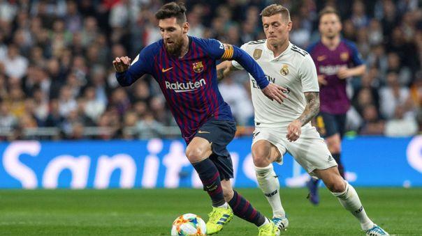 Messi y Kroos durante un clásico entre Barcelona y Real Madrid