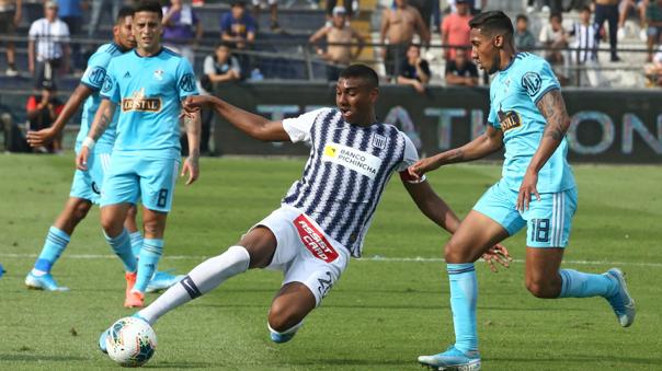 Aldair Fuentes debutó con Alianza Lima en 2017