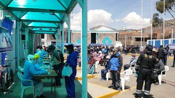 Campaña de descarte de la COVID-19 en Puno.