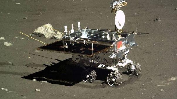 Rover Yu tu visto desde el aterrizador de la misión Chang 'e 3