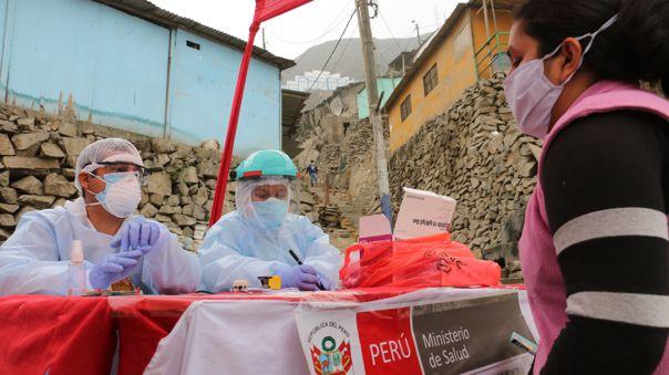 Brigadas del Minsa llegaron al asentamiento humano Las Colinas, en el distrito del Rímac.