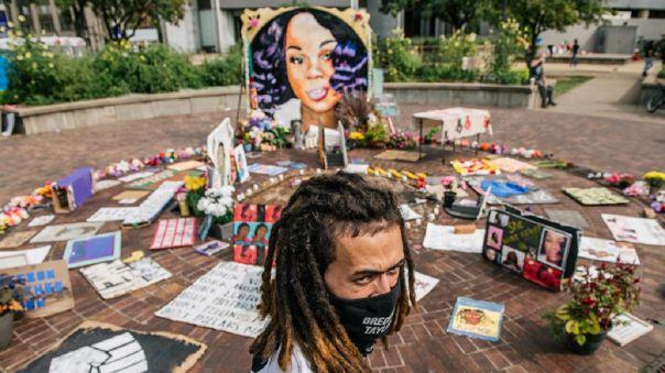 El caso de Taylor fue especialmente recordado durante la ola de protestas contra la violencia policial y el racismo que ha sacudido Estados Unidos.