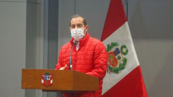 El jefe del Gabinete Ministerial, Walter Martos, reveló en RPP que conversó con tres líderes de partidos políticos, previo al debate de vacancia presidencial.