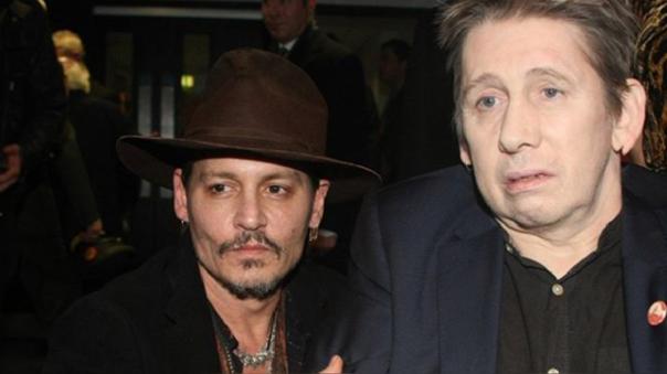 Johnny Depp al lado de Shane MacGowan