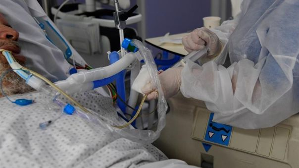 El trasplante se realizó a un hombre de 57 años quien estuvo 52 días con apoyo de un equipo sofisticado pulmonar.